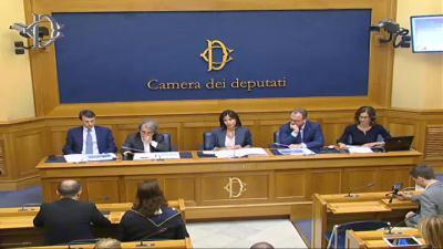 Le iniziative parlamentari di forza italia flax tax per for Parlamentari forza italia